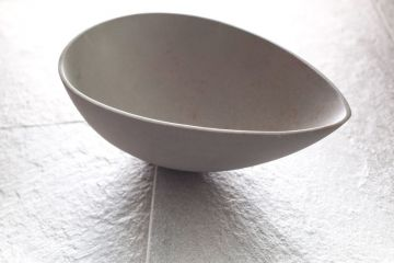 Click to enlarge image 06-egg-bowl-large-white-02.jpg