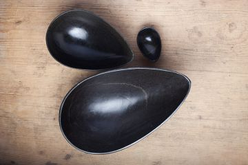 Click to enlarge image 03-egg-bowl-small-black-03.jpg